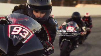 CoverGirl LashBlast Volume Mascara TV Spot, 'Mundo de hombres' con Shelina Moreda, canción de Peaches [Spanish] - Thumbnail 6