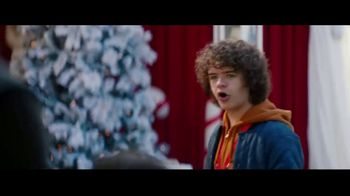 Fios by Verizon Internet TV Spot, 'Santa's Helper: $39.99' Featuring Gaten Matarazzo - Thumbnail 6