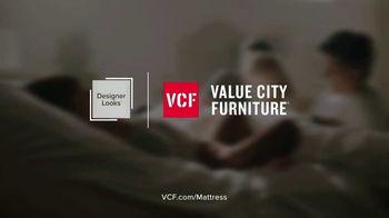 Value City Furniture Holiday Mattress Sale TV Spot, 'Great Night Sleep' - Thumbnail 8