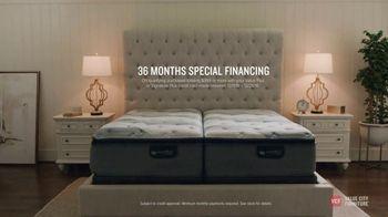 Value City Furniture Holiday Mattress Sale TV Spot, 'Great Night Sleep' - Thumbnail 7