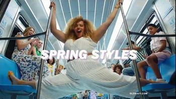 Old Navy TV Spot, 'Nonstop Spring Styles for the Family: Dresses, Shorts & Tees' - Thumbnail 4