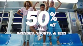 Old Navy TV Spot, 'Nonstop Spring Styles for the Family: Dresses, Shorts & Tees' - Thumbnail 6