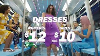 Old Navy TV Spot, 'Nonstop Spring Styles for the Family: Dresses, Shorts & Tees' - Thumbnail 8