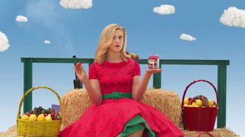 VitaFusion Organic Gummy Vitamins TV Spot, 'Baby Goats in Totes' - Thumbnail 3