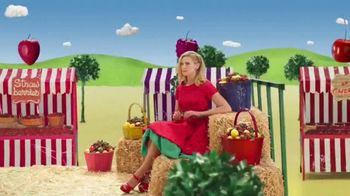 VitaFusion Organic Gummy Vitamins TV Spot, 'Baby Goats in Totes' - Thumbnail 4