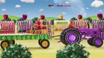 VitaFusion Organic Gummy Vitamins TV Spot, 'Baby Goats in Totes' - Thumbnail 8