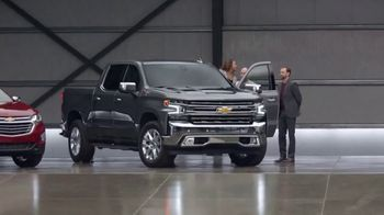 Chevrolet Truck Month TV Spot, 'Auto Show: Check Them Out' [T2]
