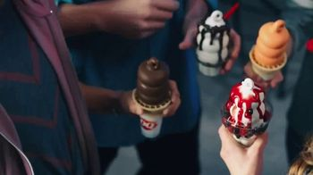 Dairy Queen Two for $4 Treat Nights TV Spot, 'Take the Fam' - Thumbnail 3