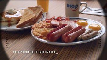 IHOP Ultimate BreakFEASTS TV Spot, 'Submarino USS Pancake' [Spanish] - Thumbnail 5
