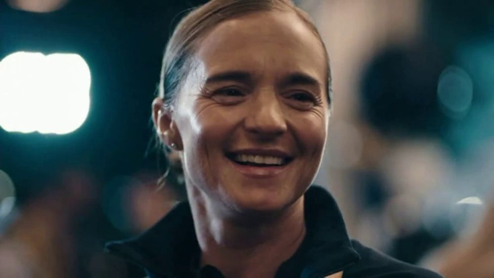 Modelo TV Commercial, 'Veteran Triathlete Melissa Stockwell Fought to Overcome Obstacles'