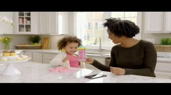 Disney Insulated Sippy Cups TV Spot, 'Disney Junior: Share the Smiles' - Thumbnail 1