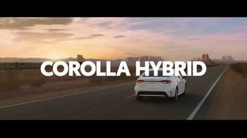 2020 Toyota Corolla Hybrid TV Spot, 'Train' Song by Ricky Nelson [T1] - Thumbnail 10