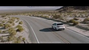 2020 Toyota Corolla Hybrid TV Spot, 'Train' Song by Ricky Nelson [T1] - Thumbnail 3