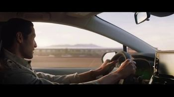 2020 Toyota Corolla Hybrid TV Spot, 'Train' Song by Ricky Nelson [T1] - Thumbnail 6
