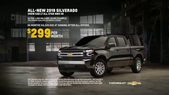 Chevrolet Truck Month TV Spot, 'Official Truck of Real People' [T2] - Thumbnail 8