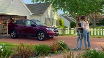 Honda Dream Garage Spring Event TV Spot, 'Cleaning: SUVs' [T2] - Thumbnail 5