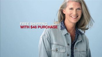 Macy's 48 Hour Sale TV Spot, 'Diamond Pendants, Sheets and Small Appliances' - Thumbnail 9