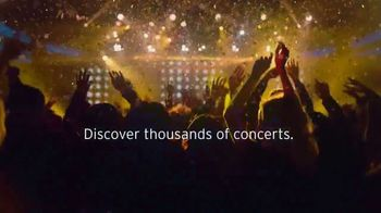 Citi Entertainment TV Spot, 'Hey Google: Find a Concert' Song by Zara Larsson - Thumbnail 7