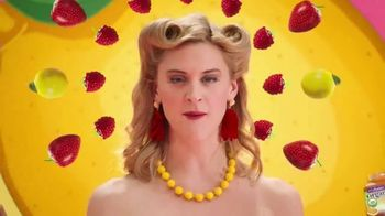 VitaFusion Organic Gummy Vitamins TV Spot, 'So YUMMMM' - Thumbnail 2