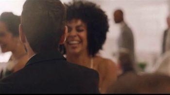 Men's Wearhouse TV Spot, 'Bien por ti: trajes y paquetes de boda' canción de Free [Spanish] - Thumbnail 4