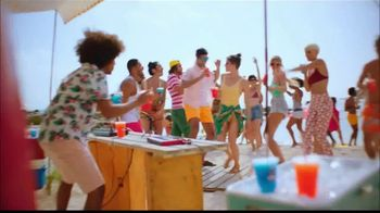 McDonald's Minute Maid Slushies TV Spot, 'Avive el verano' [Spanish] - Thumbnail 5