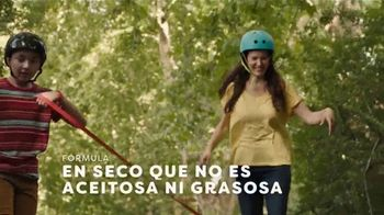 Off! FamilyCare Smooth & Dry TV Spot, 'Pasear al perro' [Spanish] - Thumbnail 6