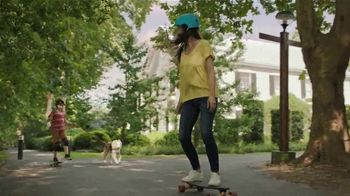 Off! FamilyCare Smooth & Dry TV Spot, 'Pasear al perro' [Spanish] - Thumbnail 7