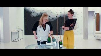 The Hustle - Alternate Trailer 31