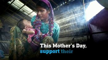 UNICEF TV Spot, 'The Love of a Mother' - Thumbnail 8
