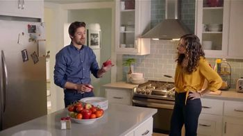 H-E-B Meal Simple TV Spot, 'Hosting' - Thumbnail 6