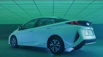 Toyota Summer Starts Here TV Spot, 'Prius Prime: Most Fuel-Efficient Hybrid' [T2] - Thumbnail 5