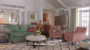 La-Z-Boy Flash Sale TV Spot, 'Subtitles: 40 Percent Off' Featuring Kristen Bell - Thumbnail 5