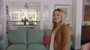 La-Z-Boy Flash Sale TV Spot, 'Subtitles: 40 Percent Off' Featuring Kristen Bell - Thumbnail 6