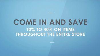 La-Z-Boy Flash Sale TV Spot, 'Subtitles: 40 Percent Off' Featuring Kristen Bell - Thumbnail 8