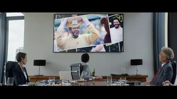 Heineken 0.0 TV Spot, 'Now You Can: Presentation' Song by The Isley Brothers - Thumbnail 8