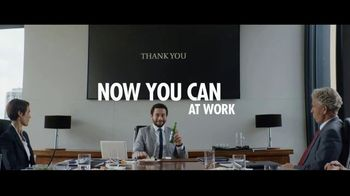 Heineken 0.0 TV Spot, 'Now You Can: Presentation' Song by The Isley Brothers - Thumbnail 9