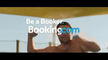 Booking.com TV Spot, 'Memorial Day Weekend' - Thumbnail 7