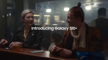 Samsung Galaxy S10 TV Spot, 'Wireless PowerShare: $400 Off' Song by Olly Anna - Thumbnail 8