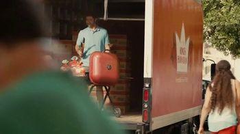 King's Hawaiian Buns TV Spot, 'Fire up the Grill' - Thumbnail 2