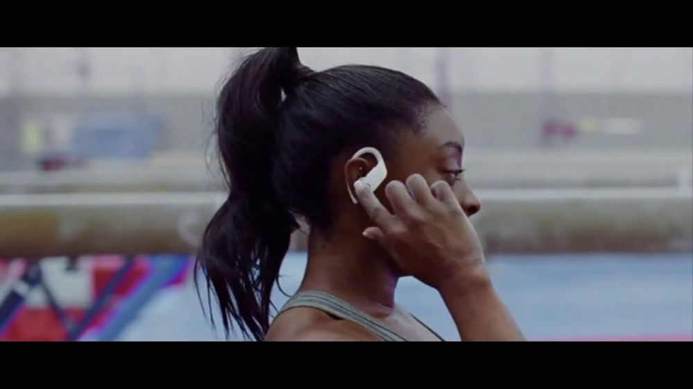 Beats Audio Powerbeats Pro TV Commercial, 'Unleashed' Featuring LeBron James, Serena Williams