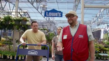 Lowe's TV Spot, 'Doing Summer Right: Miracle-Gro Potting Mix'