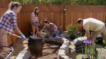 Lowe's TV Spot, 'Doing Summer Right: Miracle-Gro Potting Mix' - Thumbnail 5