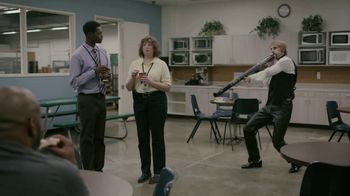 GEICO TV Spot, 'Soothing Sounds at the Office' - Thumbnail 3