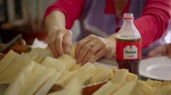 Coca-Cola TV Spot, 'Holidays Are Family' Featuring Yvette Marquez-Sharpnack - Thumbnail 6