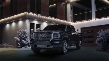 GMC Denali Season to Upgrade TV Spot, 'Gift Like a Pro' [T2] - Thumbnail 4