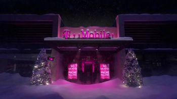 T-Mobile TV Spot, 'Store Choir' - Thumbnail 1