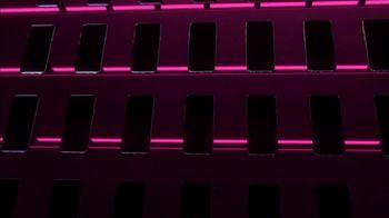 T-Mobile TV Spot, 'Store Choir' - Thumbnail 4