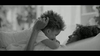 Calvin Klein Eternity TV Spot, 'Corazón' con Jake Gyllenhaal [Spanish] - Thumbnail 5