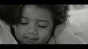 Calvin Klein Eternity TV Spot, 'Corazón' con Jake Gyllenhaal [Spanish] - Thumbnail 6