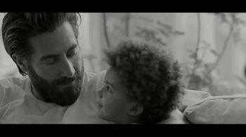 Calvin Klein Eternity TV Spot, 'Corazón' con Jake Gyllenhaal [Spanish] - Thumbnail 8